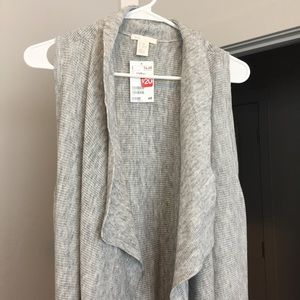 H&M Sweaters - Simple Waterfall Vest Cardigan